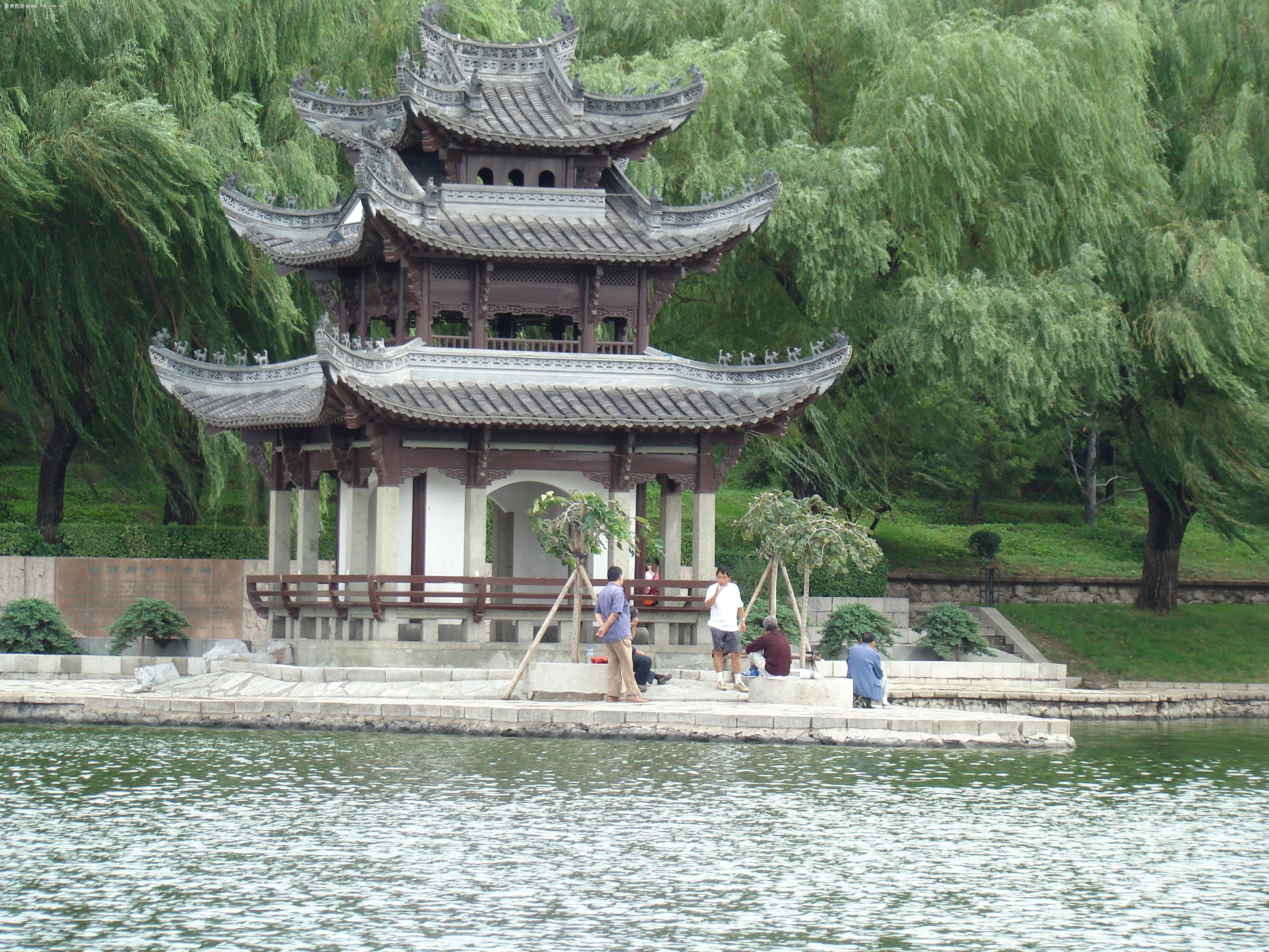 北京陶然亭公园中的亭子