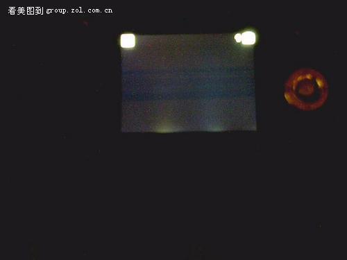 周日买的相机显示屏有漏光,别人的是否有此现象