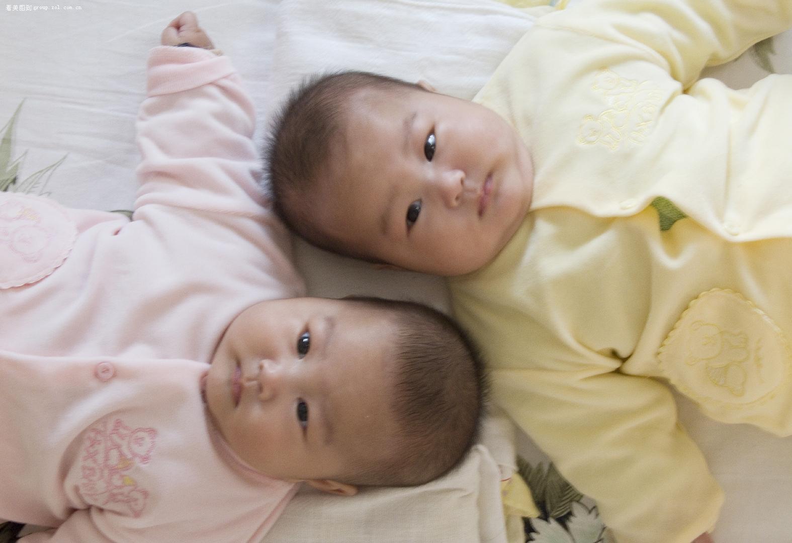数码摄影论坛 人像摄影论坛 家有双胞胎女儿  只看楼主大小 楼主发表