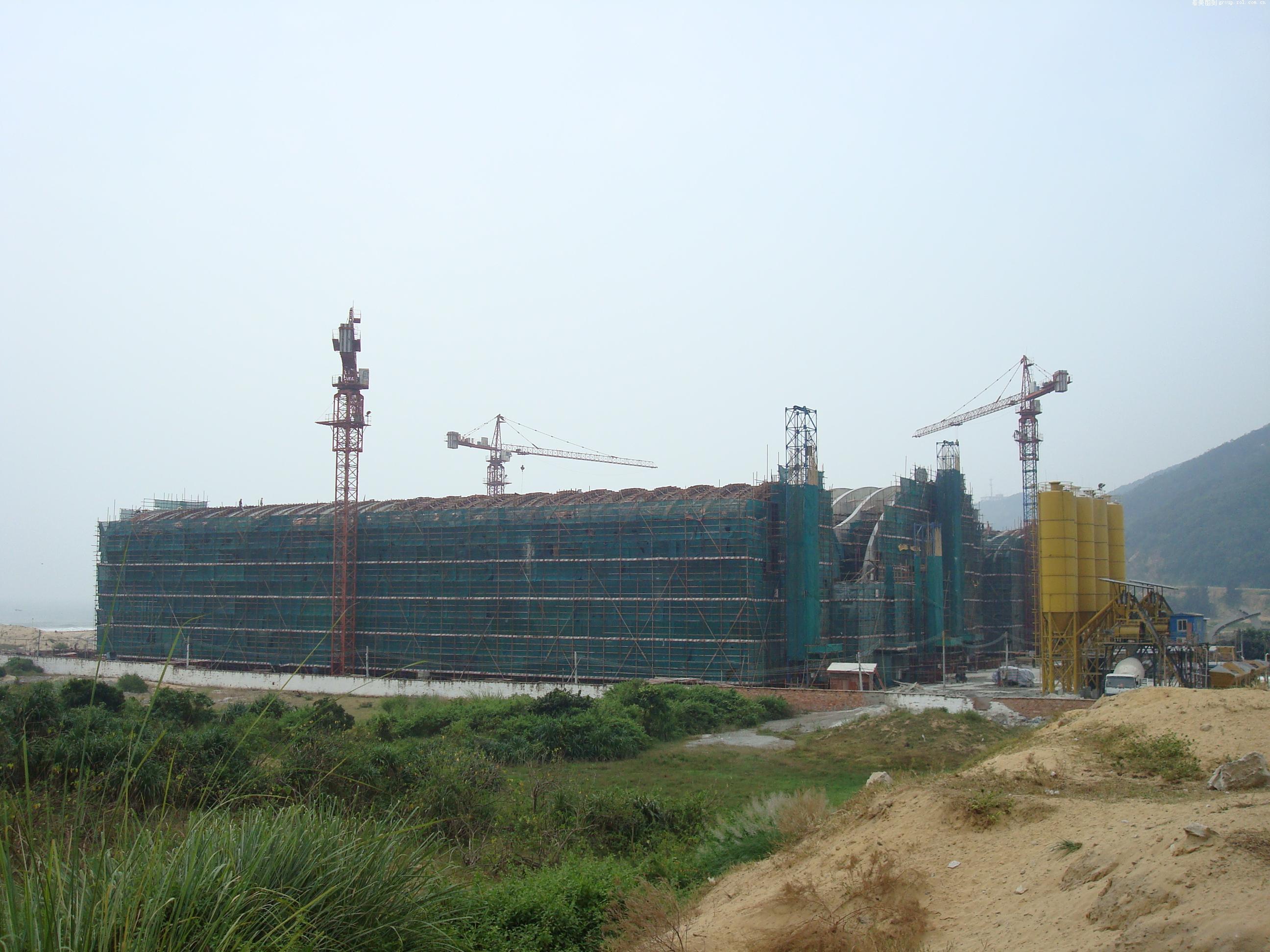 南海岛礁建设工地