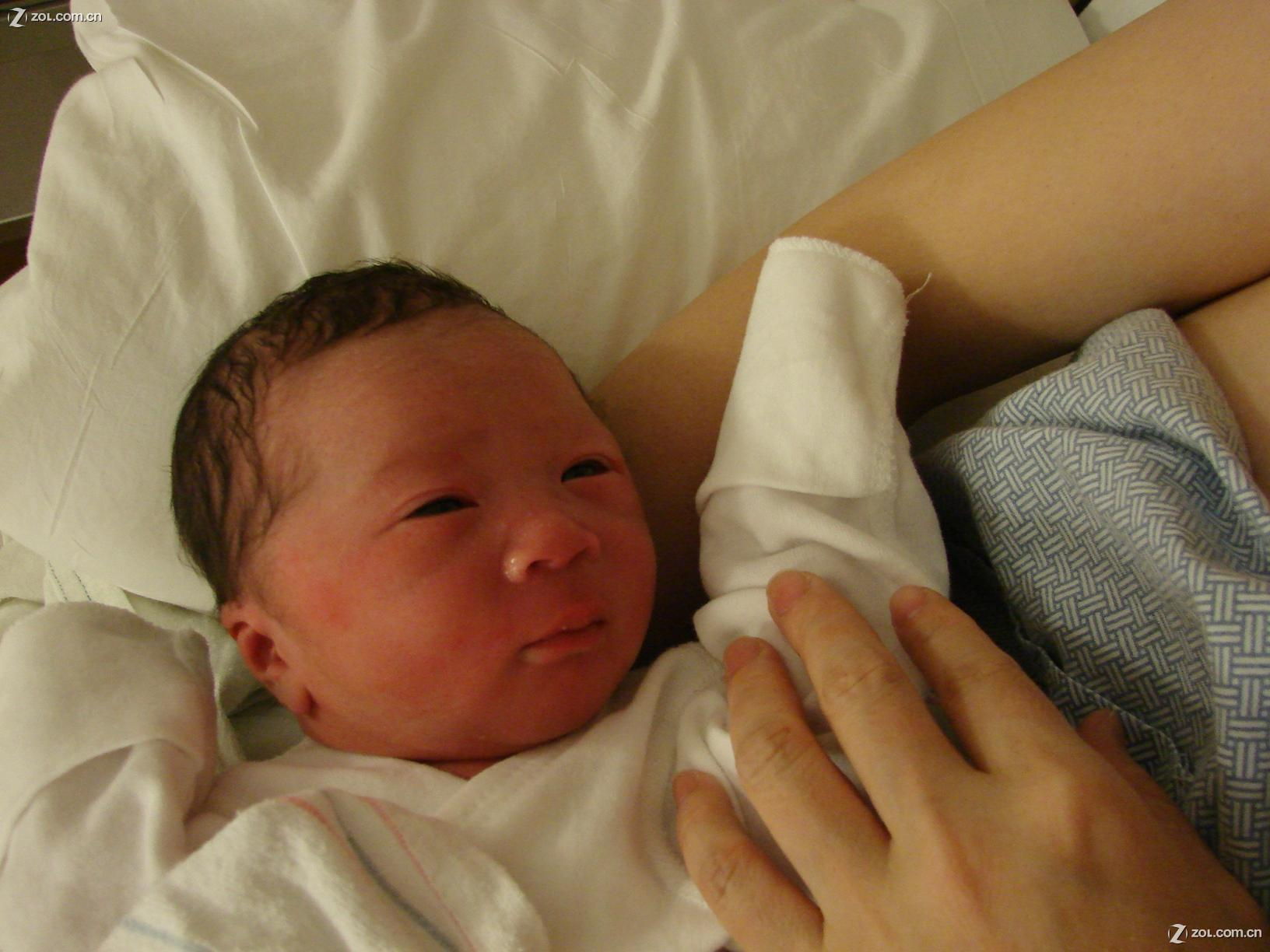 【儿子刚出生的照片】索尼