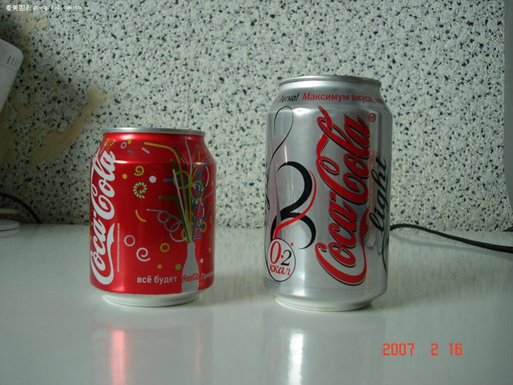 可爱的0.237升听装可口可乐
