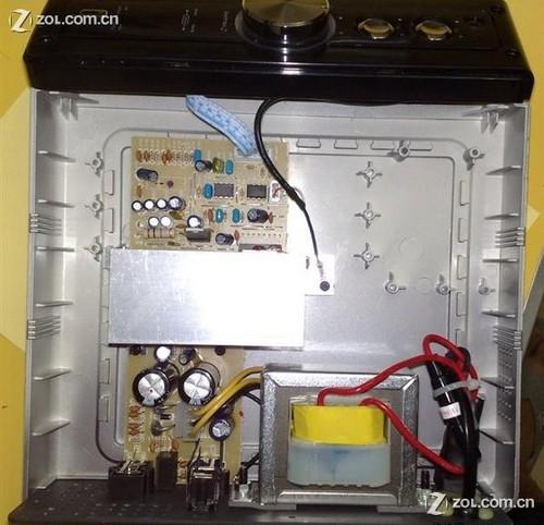 控制面板的电路通过排线与主功放板连接