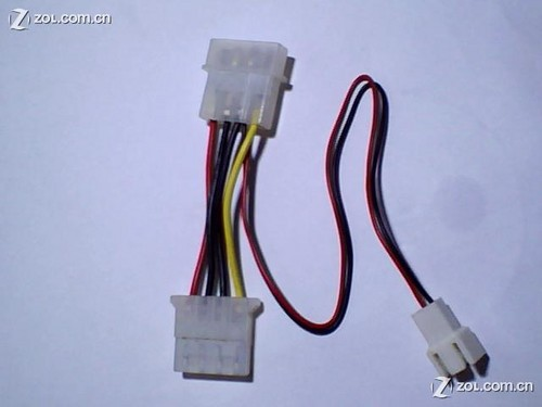 这是a1926自带电源接线!右边的黄线是主板3pin测速连接线!
