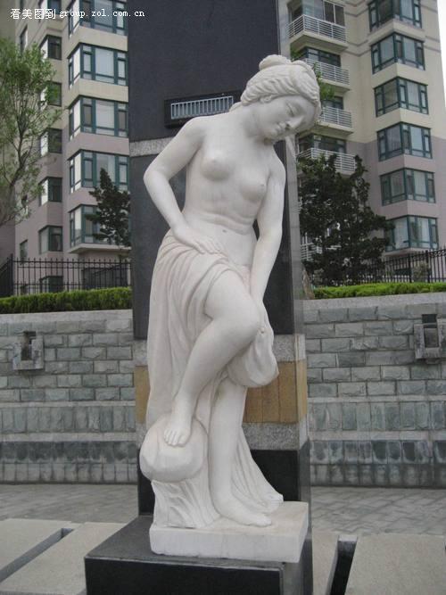 美女雕塑 zol版