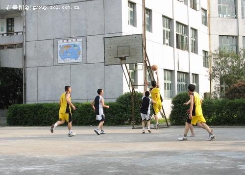 乡村篮球赛剪影