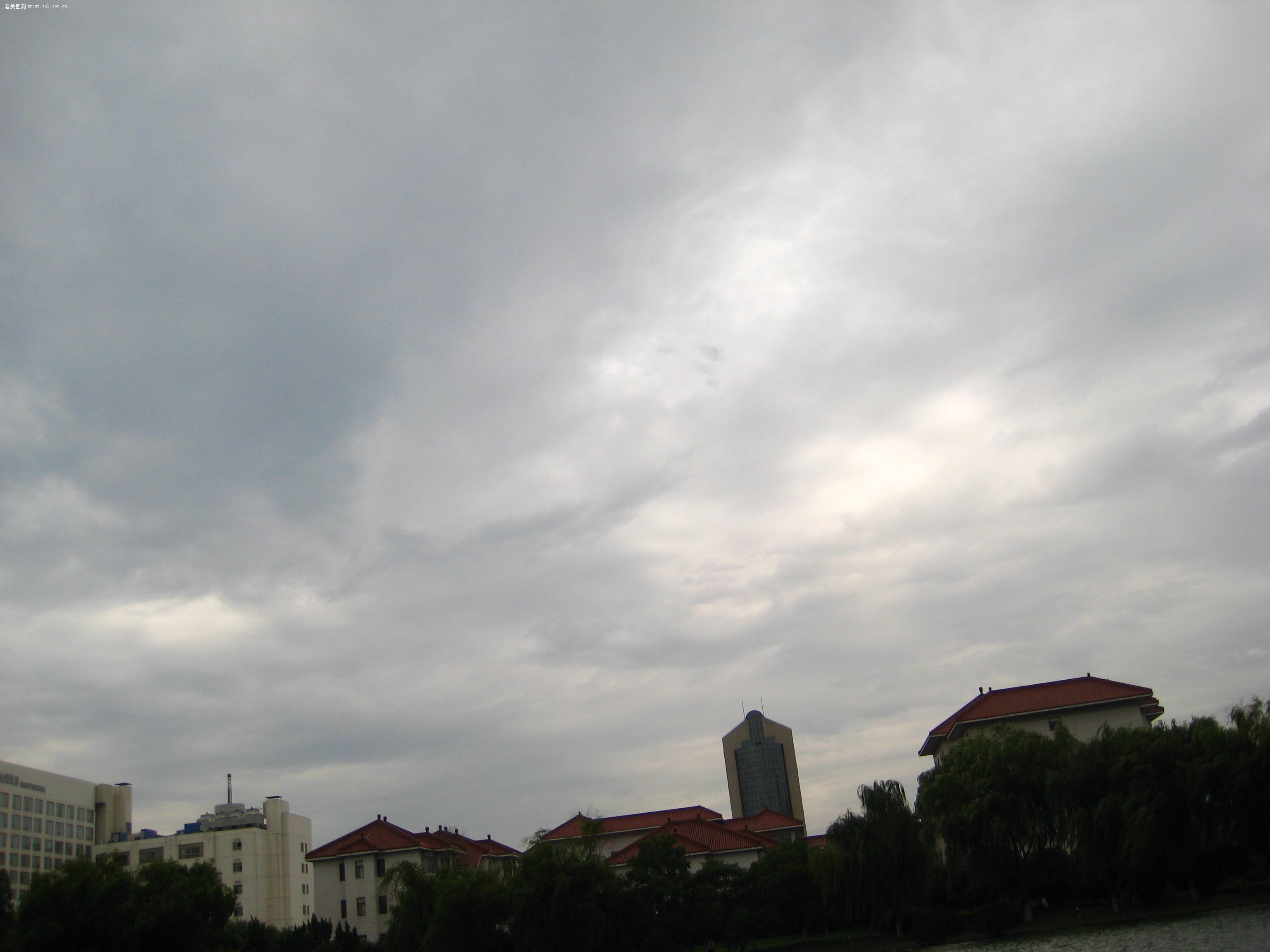 【阴云密布的天空】佳能