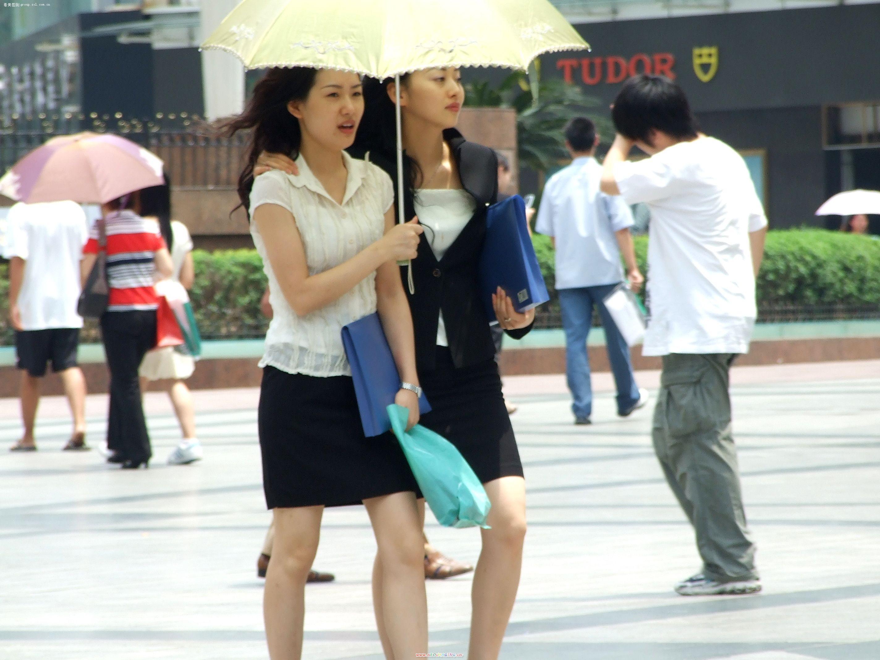 重庆街头随拍美女还是有的