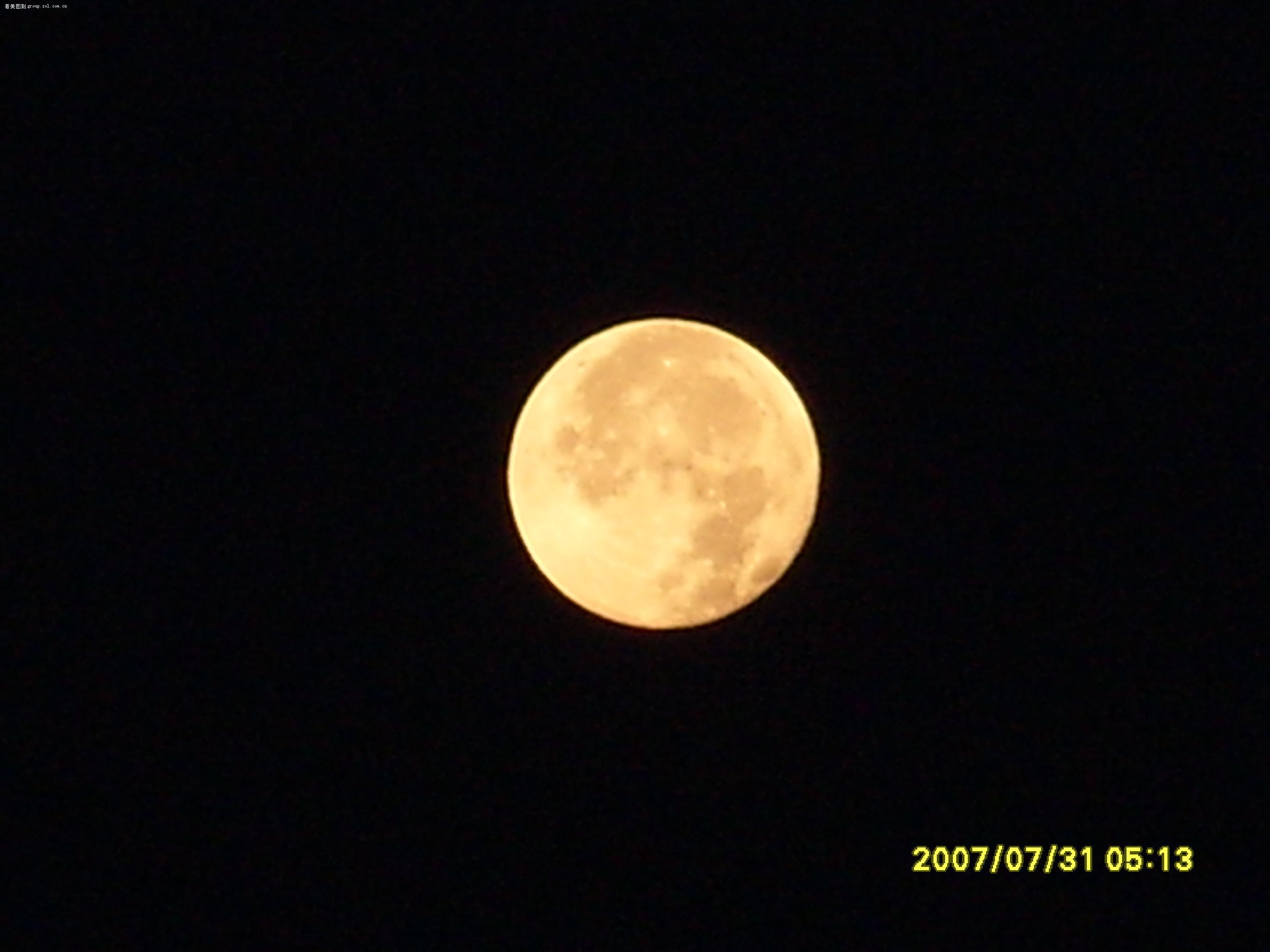 圆圆的月亮卡通图片
