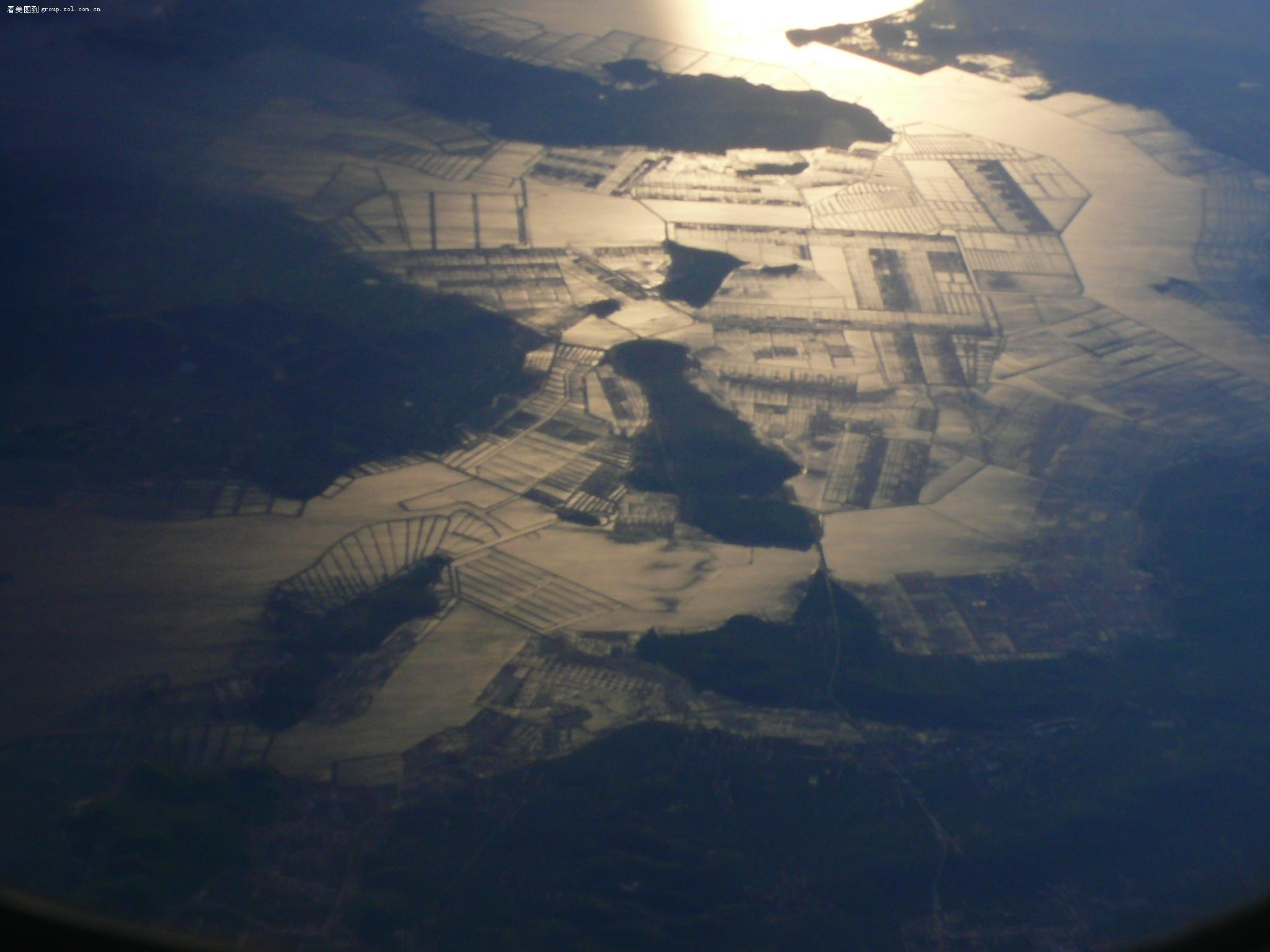 【从飞机上俯瞰大地,如此壮观!