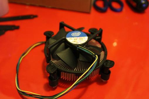 1155平台 intel原装风扇