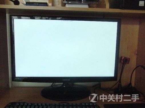 由于之前搬家显示器边框有很多划痕