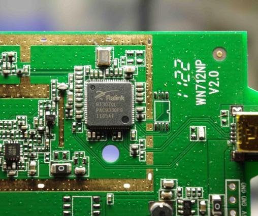 大功率无线网卡硅谷专营店 地址:北京海淀区海淀桥北硅谷电脑城3B24 EDUP EP-MS8515GS 双天线150Mbps远距离增强型无线网卡 产品特点 搭载超大功率主机、双6dbi天线。末日来临之前,带你体验高速无线上网的终极快感! QSS快速安全设置,符合WPS,轻松设置无线安全.兼容11g、11b设备,通过迅驰兼容性测试 硬件优先级服务,确保带宽敏感的任务优先处理.