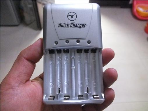 0MA 4节5号电池加充电器